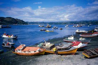 Chile-Boats-at-Shore-001
