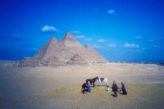 Egypt-Pyramids-001-sun-2-6
