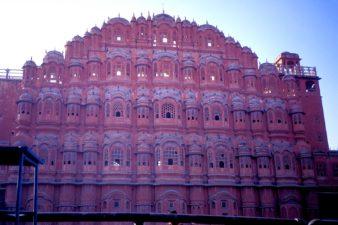 India-Jaipur-Palace-of-the-Winds-Hawa-Mahal-001