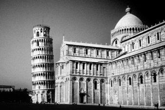 Italy-Pisa-Leaning-Tower-001-bw-ton-enhancer