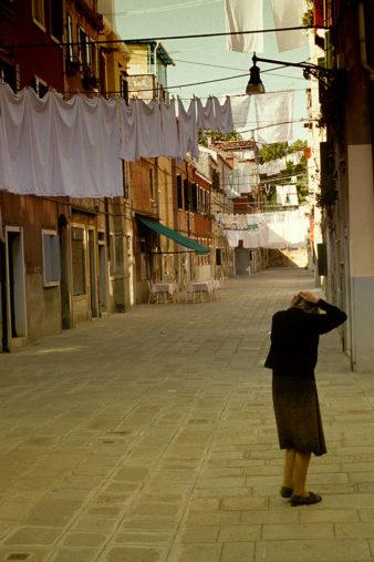 Italy-Venice-Old-Woman-on-Street-001